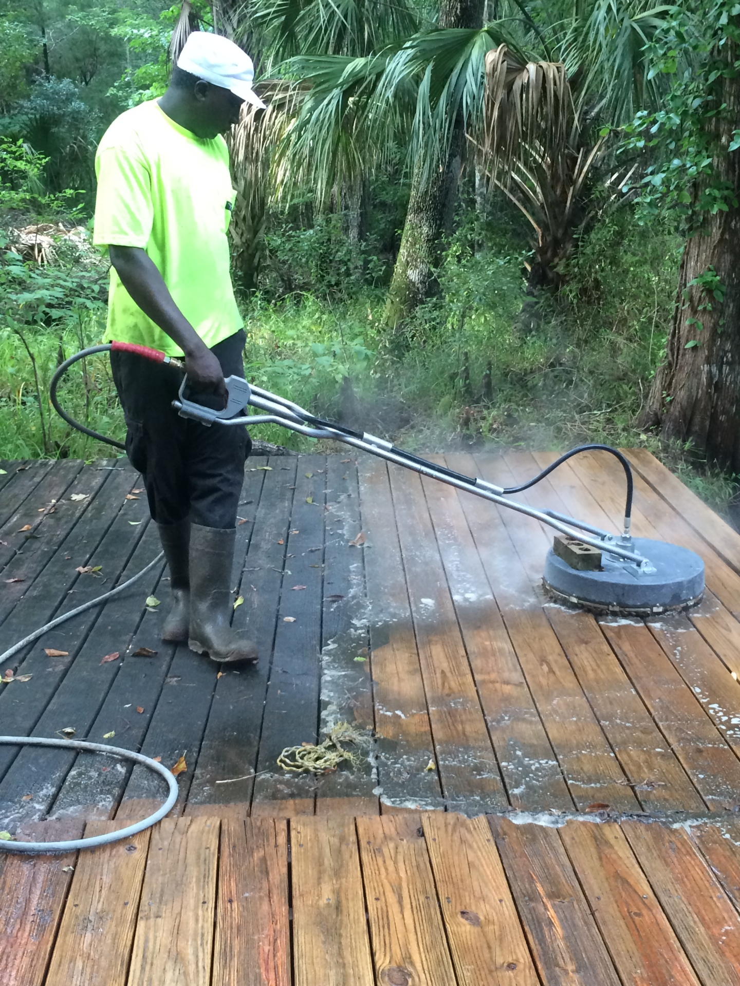 Looking for Pressure Washing Services??? w/@ +CB Platinum Professional Services, Inverness, FL