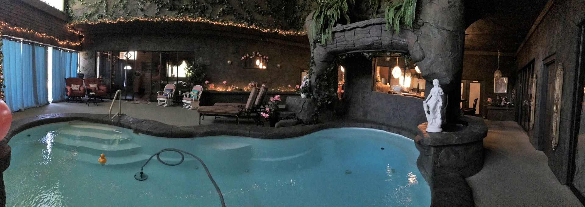 Heated Indoor Pool Hotel Homosassa