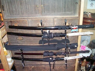 Katana or guns which is better?