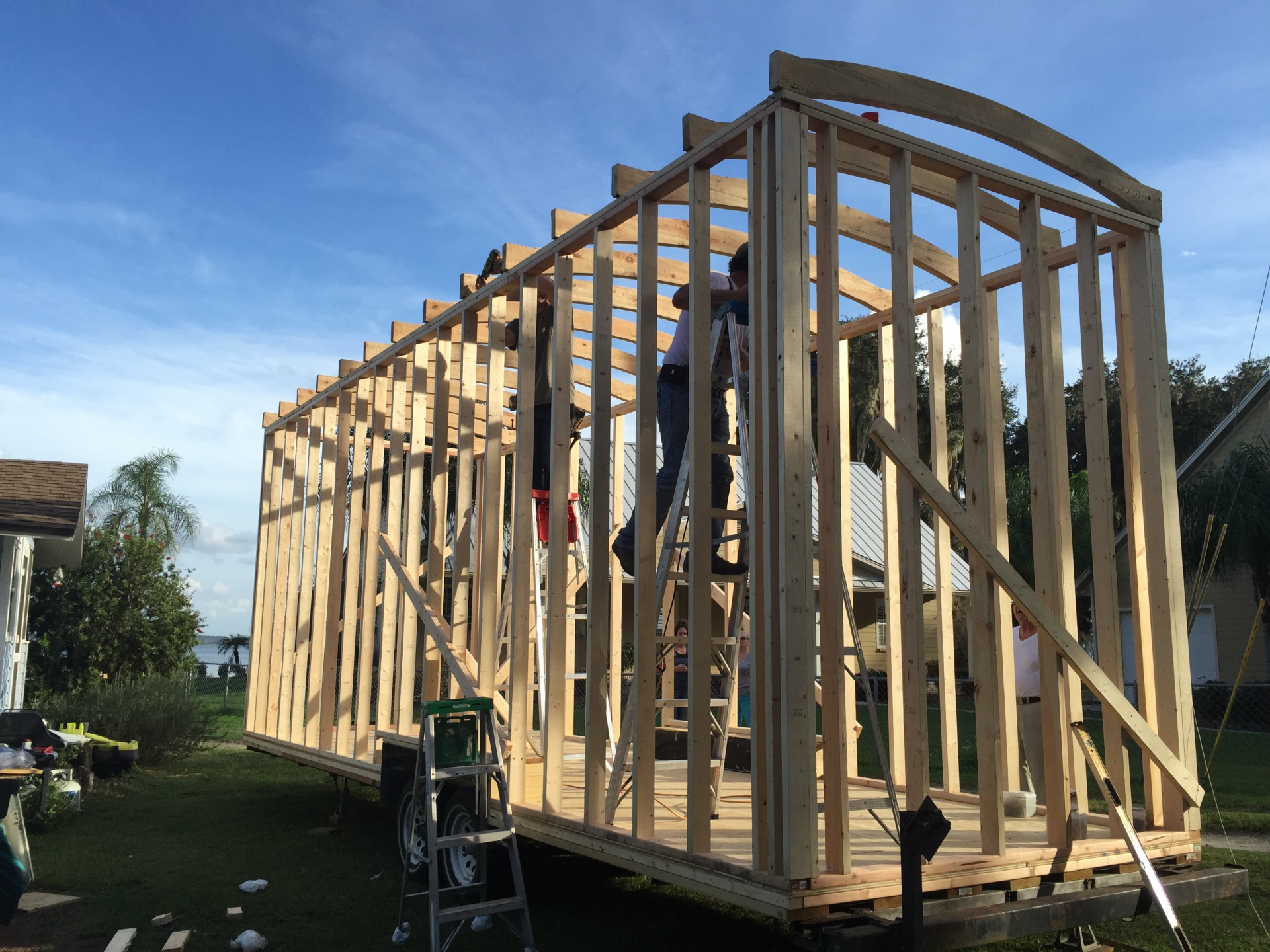 Walls go up - Tiny House