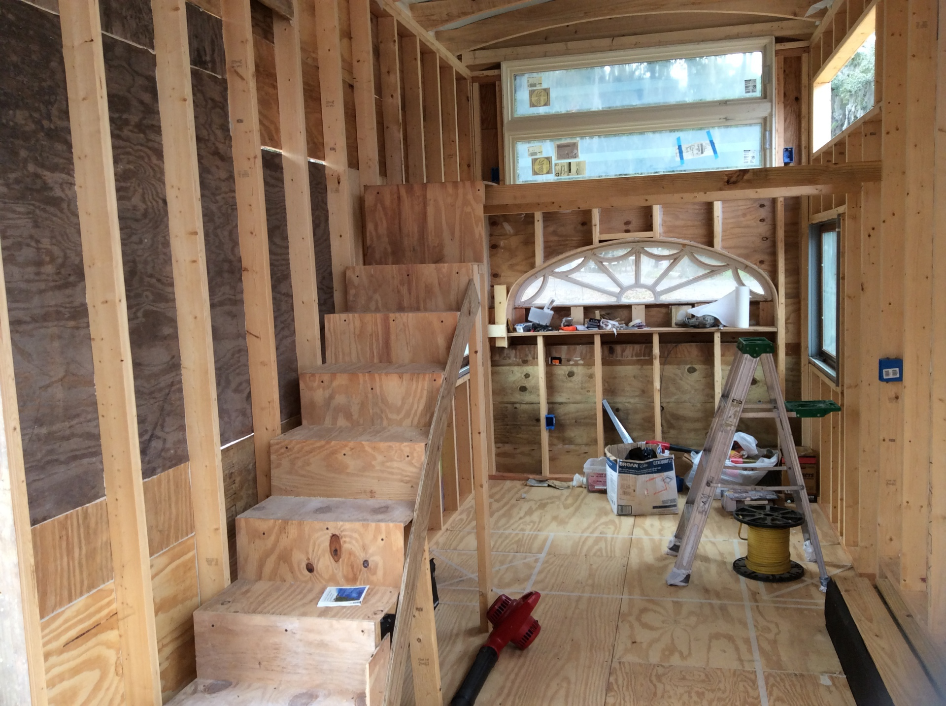 "Putting on the plywood-""Tiny-House"""