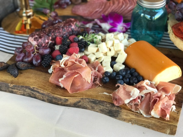 GOURMET CHEESE & CHARCUTERIE VARIETY