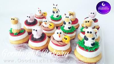 Adorable Barnyard Cupcakes!