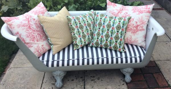 Customised bathtub with bespoke cushions in Hampton