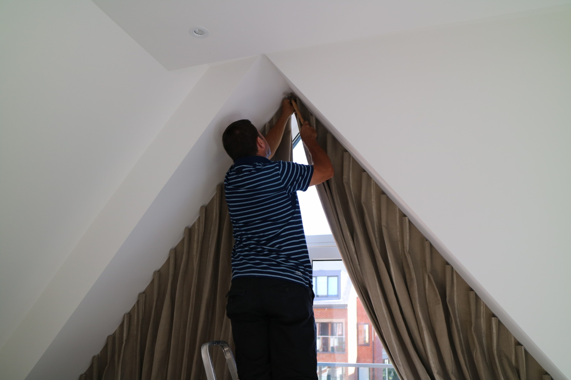 fitting an apex curtain