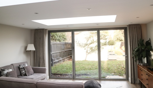 Informal curtains for a bi-fold window in Hampton