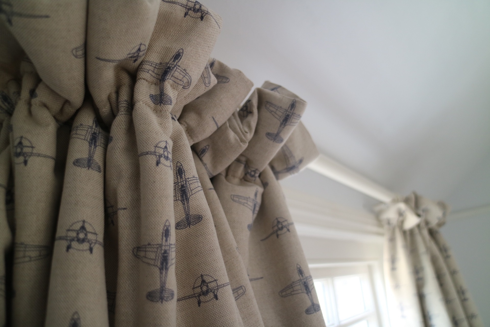 Bedroom Curtains in Thames Ditton