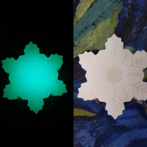 Glow in the Dark Snowflake Bar