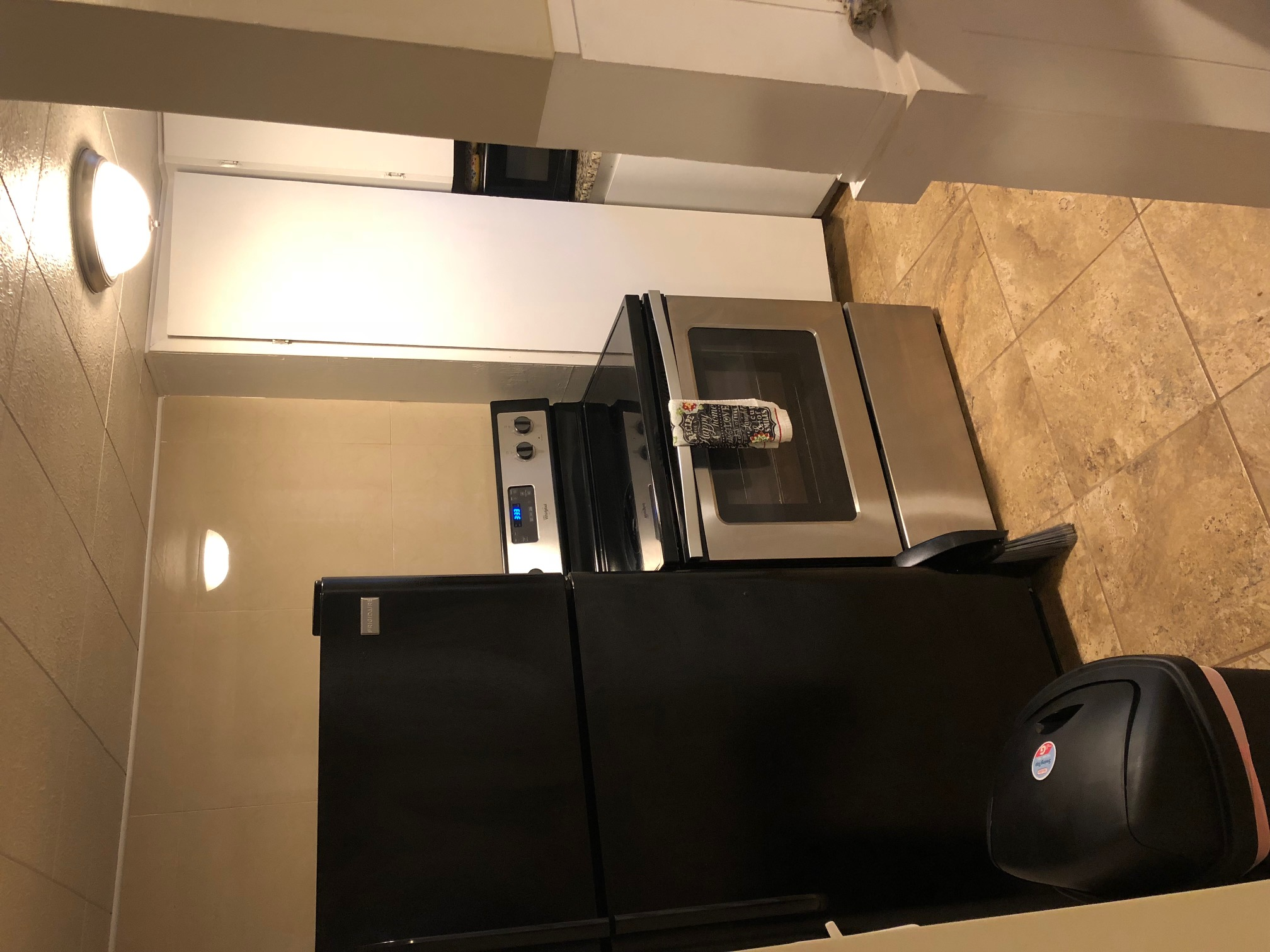 Full Size Appliances Stove, Refrigerator, Microwave, Coffee Pot