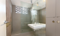 Gray Smith Architecture Albuquerque Apartment Bathroom