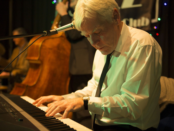 Mike Hatchard Robertsbridge Jazz Club January 2016
