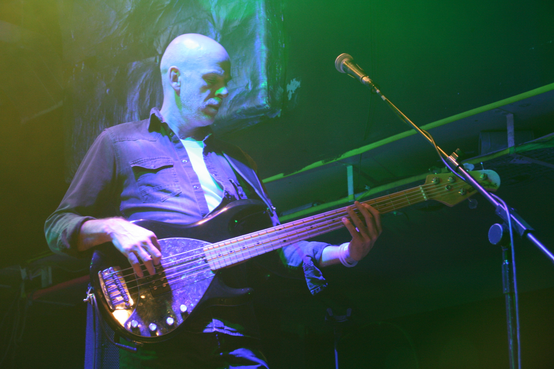 Tim Esau IQ Bass 02 Islington