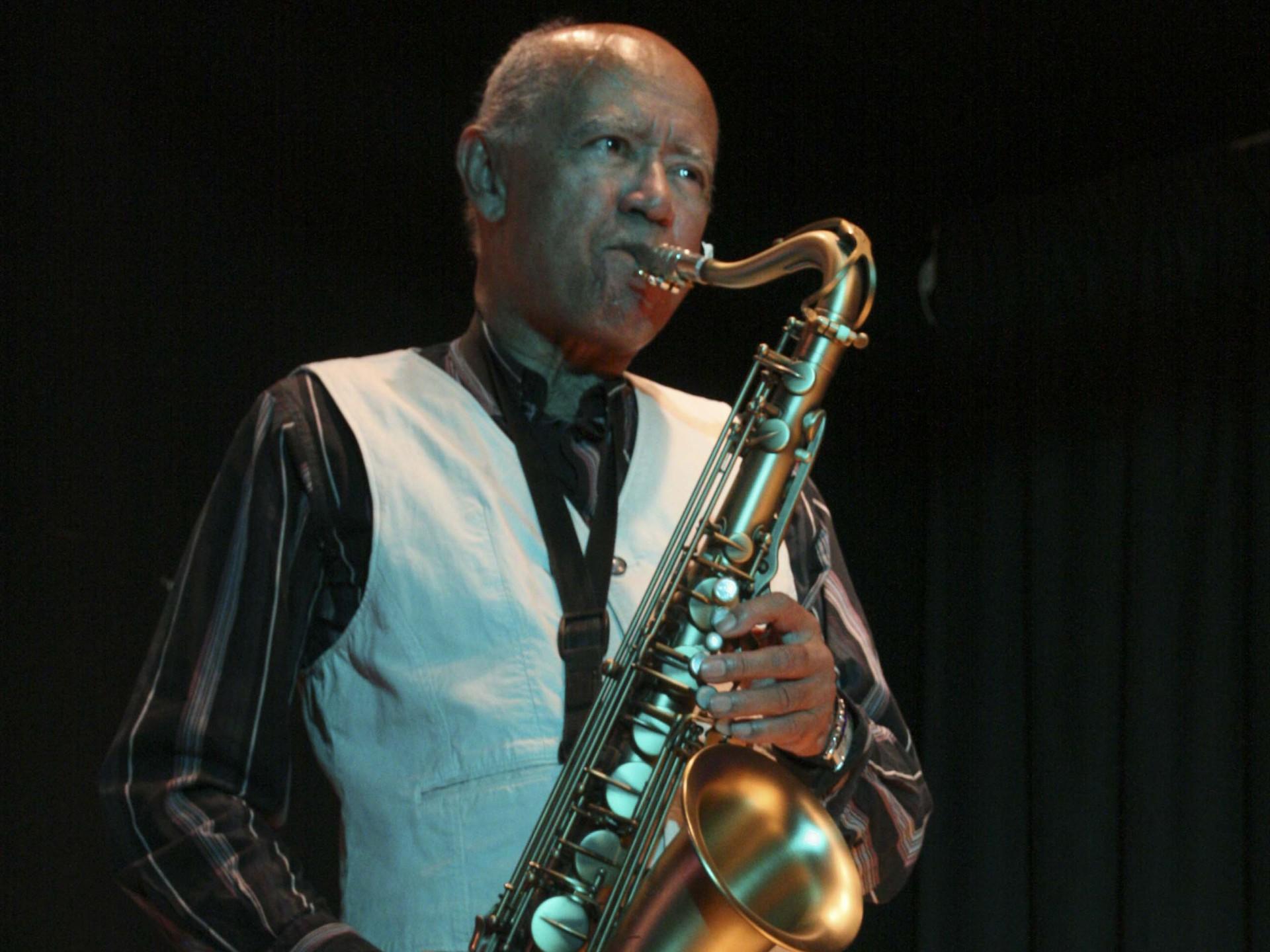 Art Themem  Saxophone