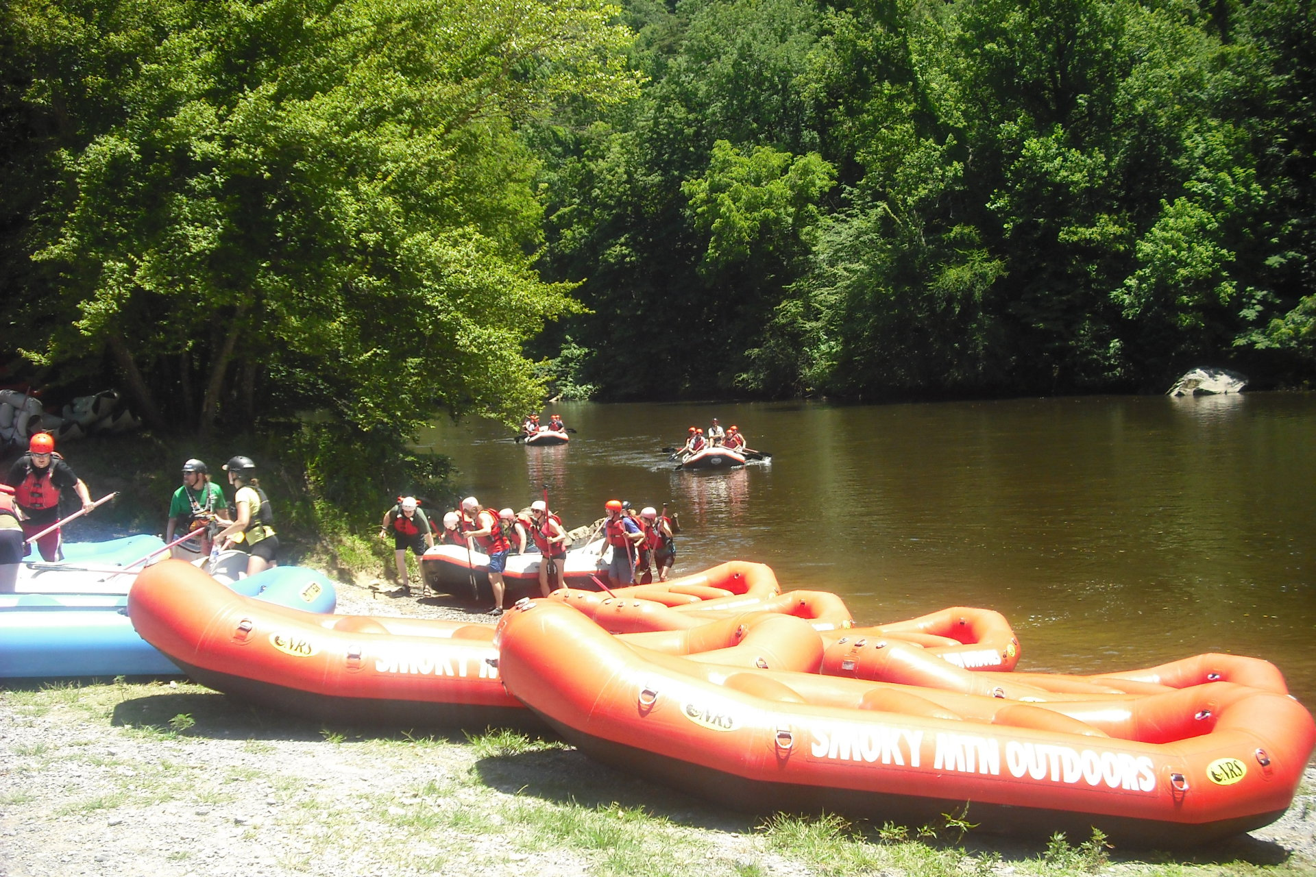 Rafting and water tubing in the Smokies - Splashing Summer Family Fun