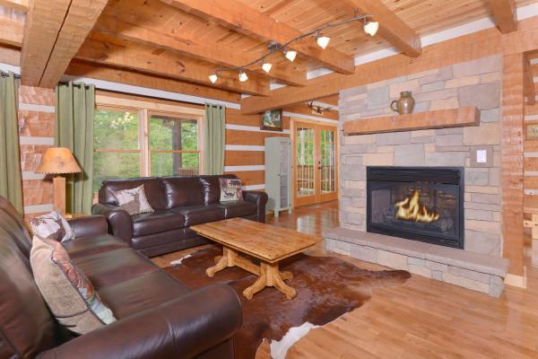 Appalachian Escape Cabin Cozy living room