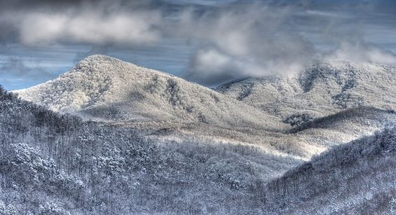 Why visit Smoky Mountains in the winter?