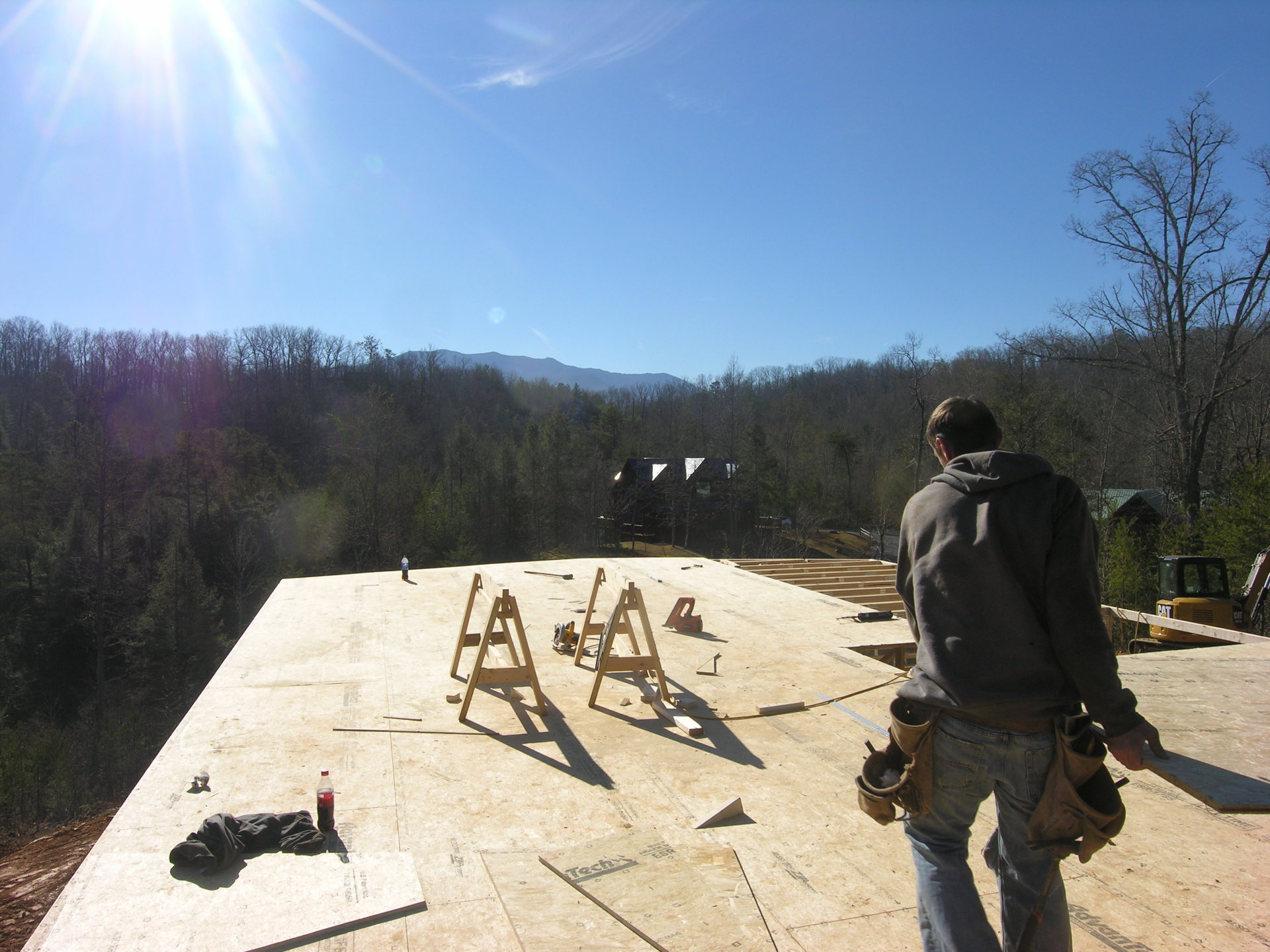 Ridge View Lodge - construction of the main floor.
