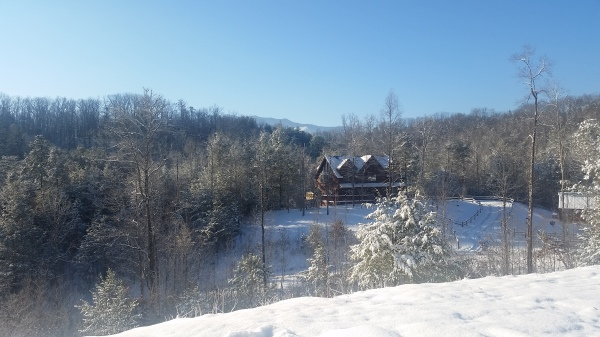 Ridge View lodge Pigeon forge cabin winter snow view