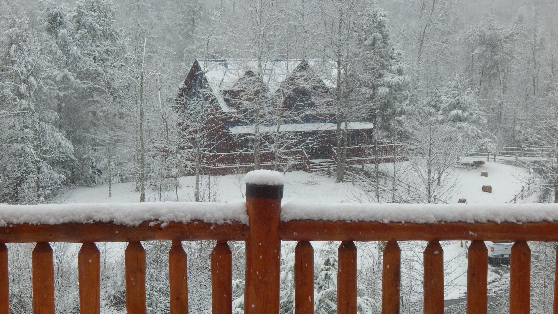 Ridge view Lodge Gatlinburg 5 bedroom cabin with the view