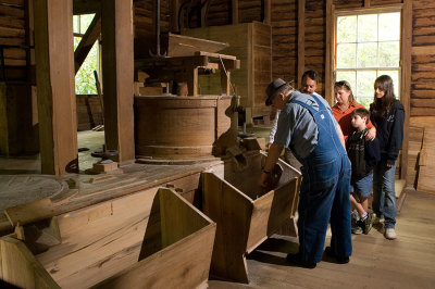Smoky Mountains: Grist Mills and History