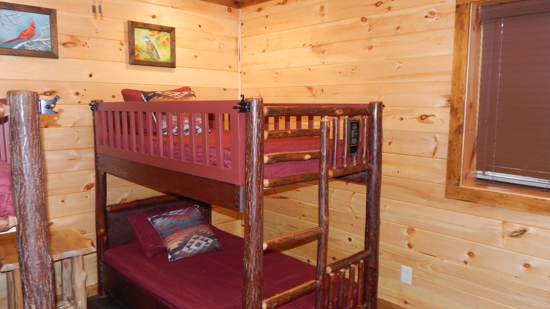 pigeon forge cabin with bunks for kids