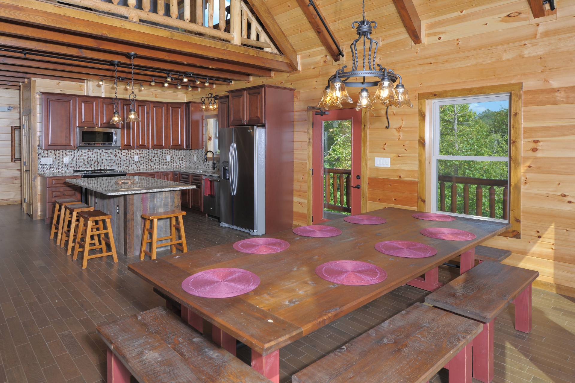 family size farm style table in a smoky mountains vacation rental cabin