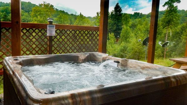 smoky mountains cabin with hot tub and view