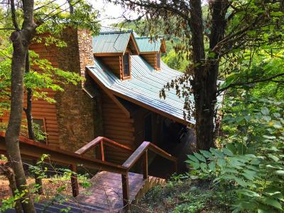 hidden haven 2 bedroom cabin in the smokies