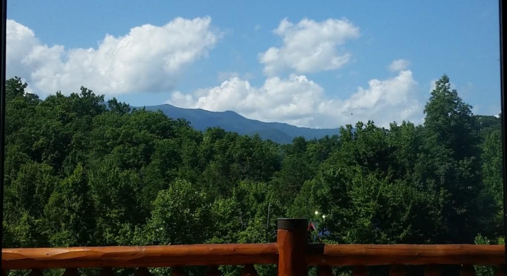Ridge view lodge mountain view cabin