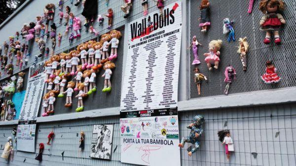 Articoli Sull'intervento Di DDiritto A Wall Of Dolls