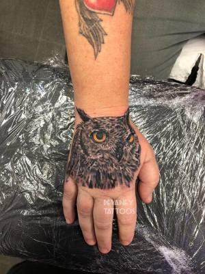 hand owl :)