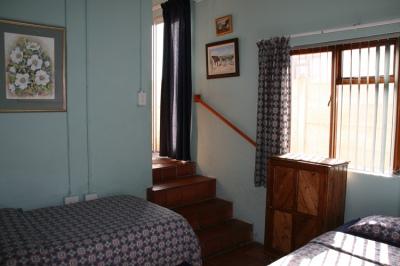 Seagulls Nest Flat bedroom 2