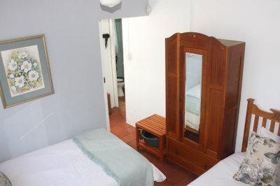 Struisbaai-Seagulls-Nest-Flat-Bedroom-2