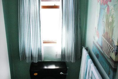 Struisbaai-Seagulls-Nest-Flat-Bathroom