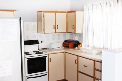 Struisbaai-Seagulls-Nest-Top-Floor-Unit-Kitchen