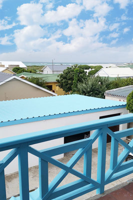 Struisbaai-Seagulls-Nest-Top-Floor-Unit-Balcony-Views