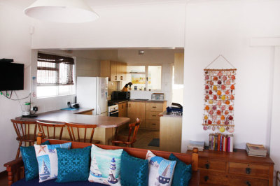 Struisbaai-Seagulls-Seasong-Kitchen-Area