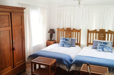 Struisbaai-Seagulls-Seasong-Bedroom-2