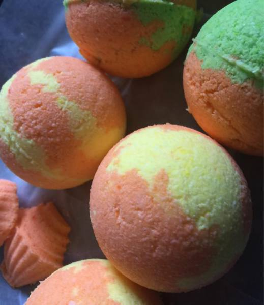Tangerine and Mango Bath Bombs