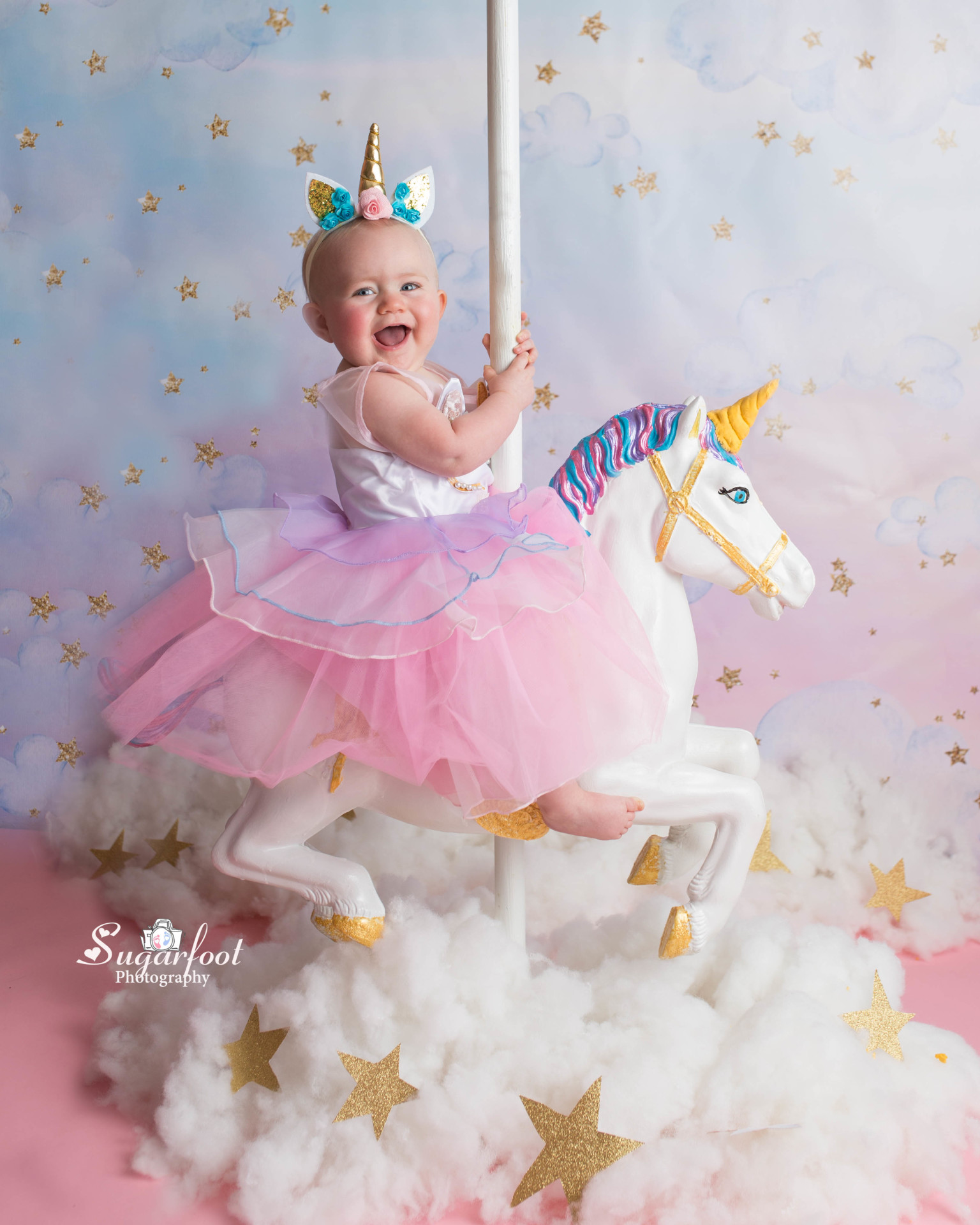 st_louis_newborn_baby_cake_smash_photographer_unicorn