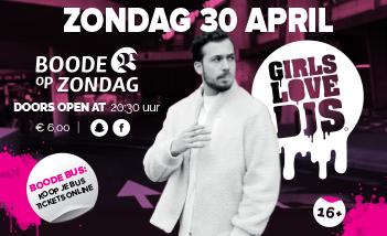 Girls Love DJ's!