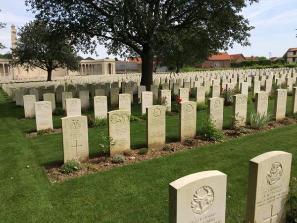 Vis En Artois Cemetery