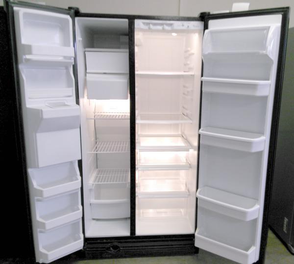 Whirlpool Refrigerator  $499.95