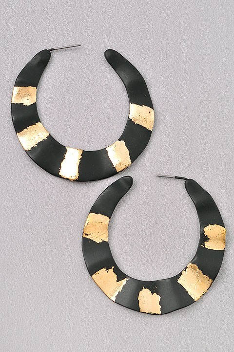 BLACK EARRINGS $16