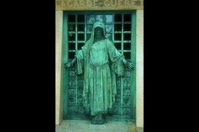 fine art photography, cemetery, Cimetière du Père Lachaise, Paris, France
