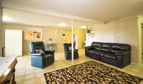 Granny Flat - Living Room