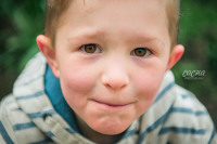 boy's close up photo, child portrait, Saltwell Park, outdoor photo shoot, child and family photographer in Newcastle upon Tyne