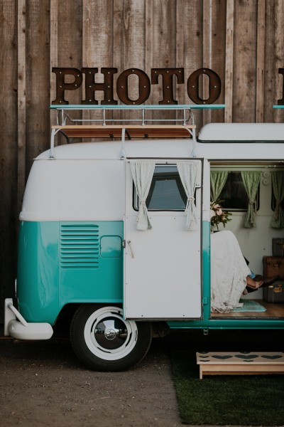 #homnomnom #bryanthomphotography #bride #groom #photobooth #photoboothbus