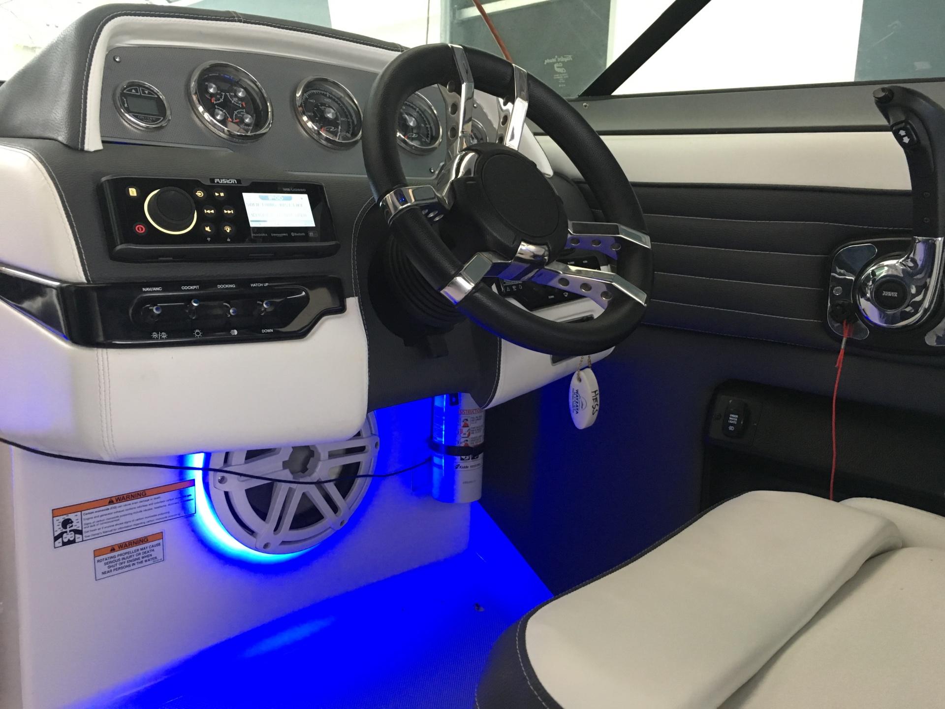 2016 Regal 2500 w/ full JL Audio system and LED speaker rings