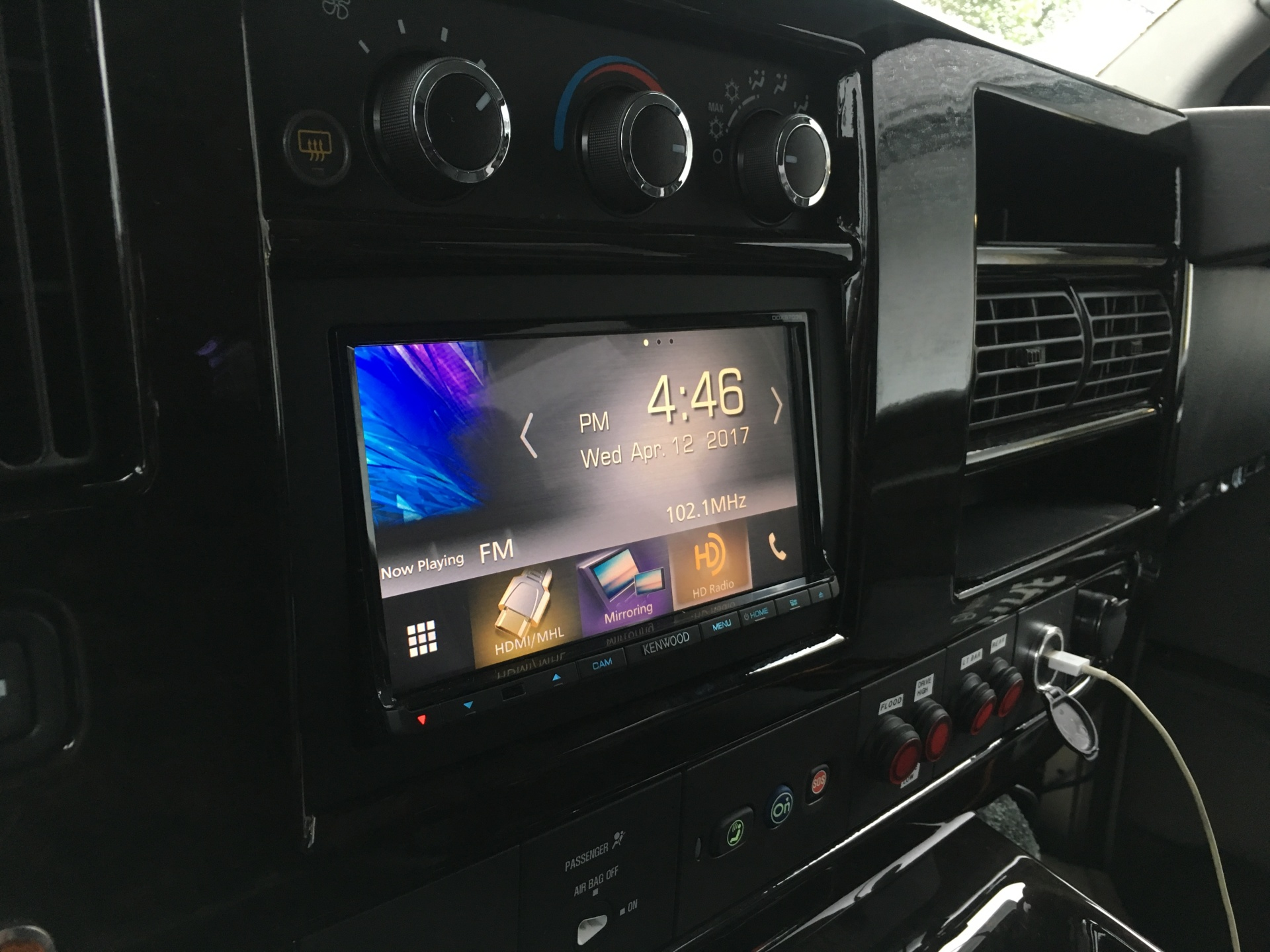 In-dash Apple CarPlay & Android Auto receivers